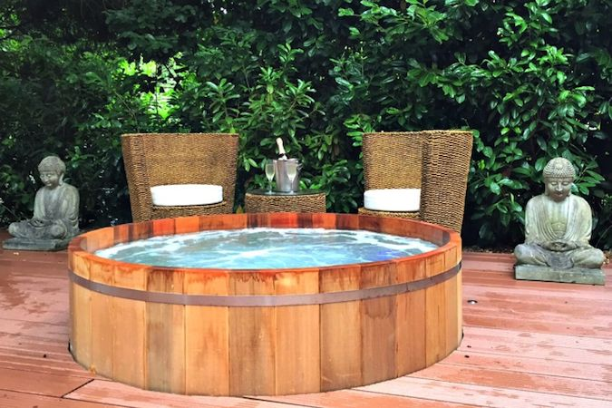 Outdoor Hot Tubs at Utopia Spa