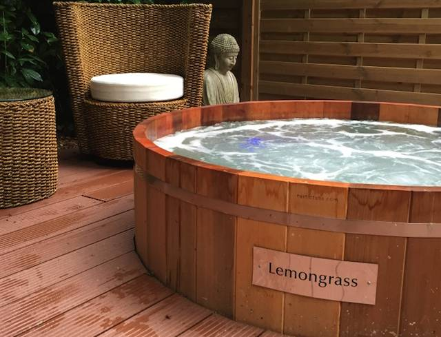 Lemongrass Hot Tub at Utopia Spa